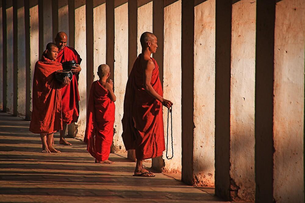 Shwezigon monks. by DaveBassett