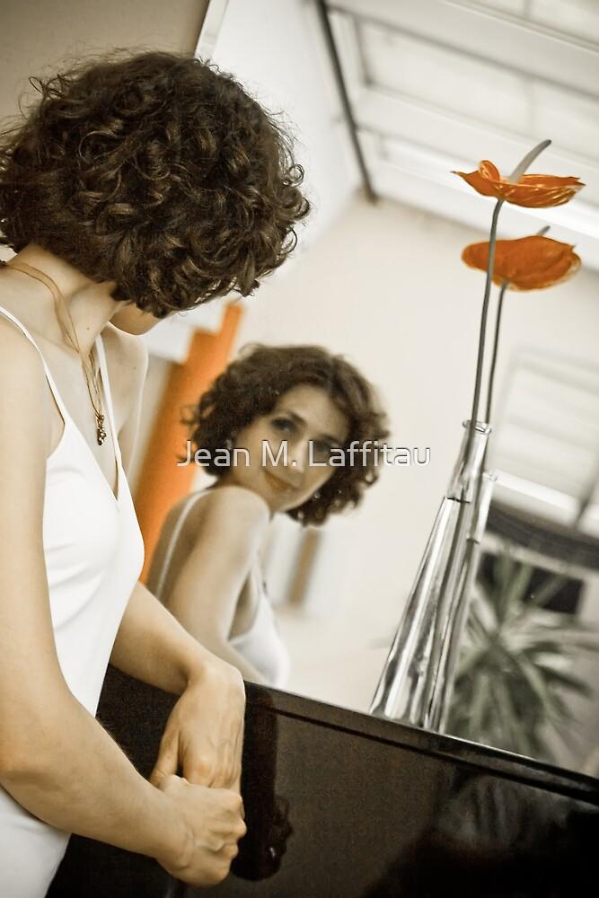 Portrait of a singer 01 by Jean M. Laffitau