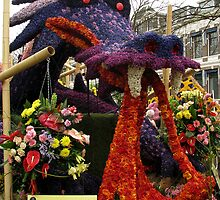 The flower dragon by Gili Orr