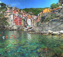 Riomaggiore by valsaadphoto