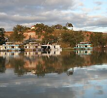 Reflections at Paringa, S.A. by elphonline