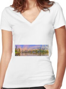 Melbourne City by the Yarra River Women's Fitted V-Neck T-Shirt