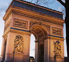 Crépuscule à l'Arc de Trimophe, Paris by Catherine C.  Turner