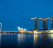 Marina Bay in a Blue Light by tpixx