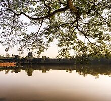Angkor Wat reflection by aaronchoi