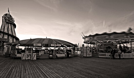 Fun Fair, Palace Pier - Brighton, England by pms32