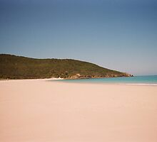 Long Beach - Great Keppel Island by Liz Cooper