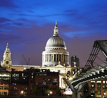 Saint Paul's Cathedral by snapperjack