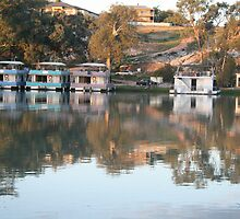 Houseboats on the river. by elphonline