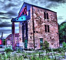 Pump House by davey lennox