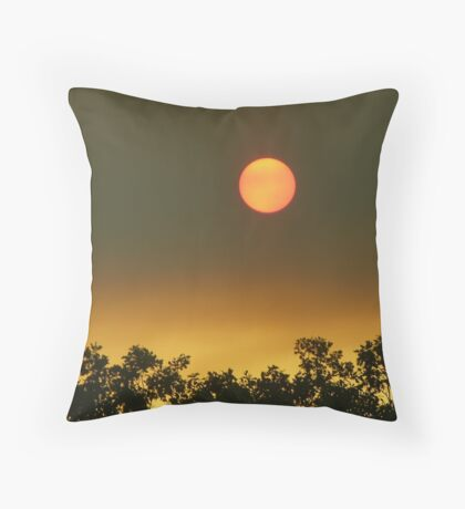 Bushfire sun Throw Pillow