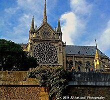 France - Notre Dame from Seine by jezebel521