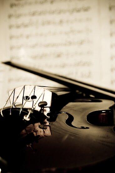 Violin v Music by Matt Sillence