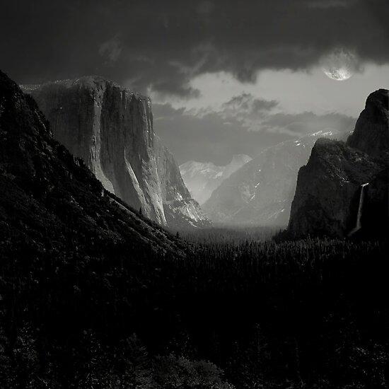 Yosemite Nights by Varinia   - Globalphotos