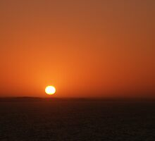 Nullarbor Head of Bight Sunrise 19-9-2003 6.15 AM by AndrewBentley