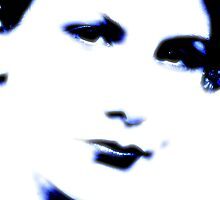 The blinding blue selfportrait by Alessia Ghisi Migliari