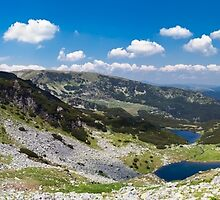 Panorama of lake Calcescu valley by naturalis