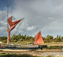 The Edith May Thames Barge. by Andy Wickenden