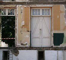 House demolition #01 - Saint Brévin les Pins. by Pascale Baud