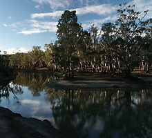 Edwards River Deniliquin NSW Same spot  Dec 2005 by AndrewBentley