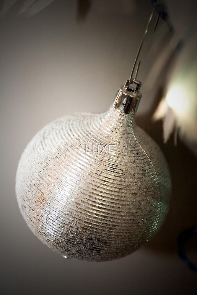Shiny Single Christmas Tree Ornament by Mark Stahl