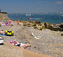 Seaview Beach from the Slipway by Rod Johnson