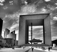 La Grande Arche de la Defense by metronomad