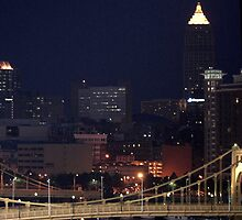 Pittsburgh Pennsylvania at night time by elisab