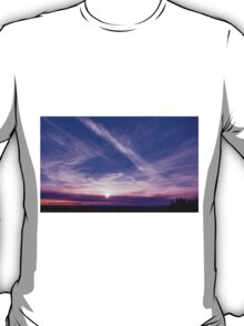 Monument Valley and Clouds. sunset2 T-Shirt