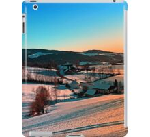 Winter wonderland afternoon panorama | landscape photography iPad Case/Skin