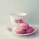 Pretty Macarons by Nicola  Pearson