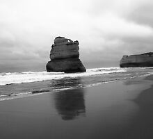 Gibson's Beach - 12 Apostles by Matthew Duke