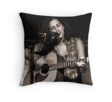 Singing 1 Throw Pillow