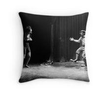 Profundo Amor Throw Pillow