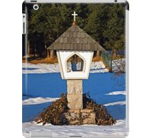 Wayside shrine in winter scenery | architectural photography iPad Case/Skin