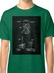 Magic - 1916 Knife Trowing Illusion Patent Classic T-Shirt