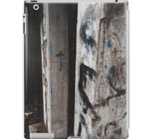 Glitch Grunge Graffiti Wall  iPad Case/Skin