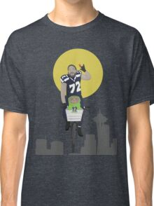 Michael Bennett Does Victory Lap With ET Classic T-Shirt