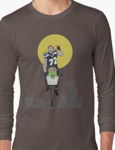 Michael Bennett Does Victory Lap With ET Long Sleeve T-Shirt