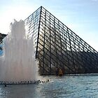 Fountain at the Louvre, Paris by chord0