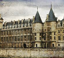 The Conciergerie by Melanie  Dooley