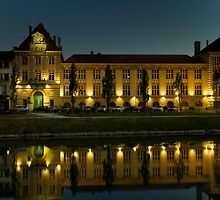 Melun Museum by Kevin Hayden