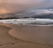 North to Bar Beach by monkeyfoto