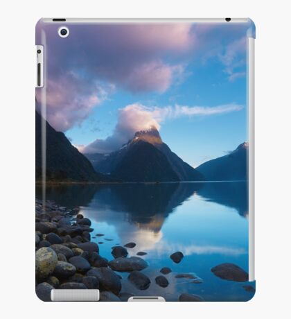 Milford Sound, New Zealand iPad Case/Skin