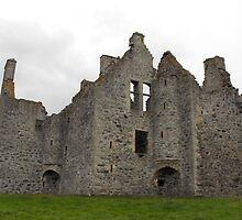 Glenbuchat castle by richieduncan