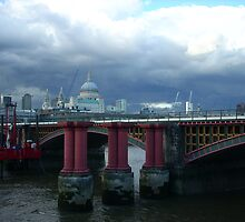 Stormy Sky over Saint Pauls by murielle