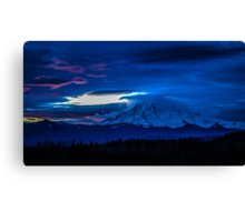 Mt Rainier moring Canvas Print