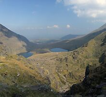Macgillycuddy Reeks summer view by John Quinn