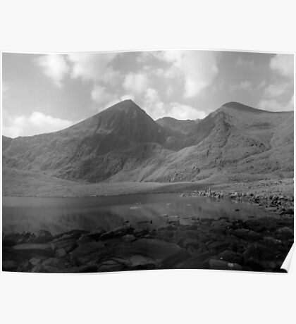 Carrauntoohil in black and white Poster