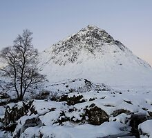 The Buachaille Etive Mor Mountain by derekbeattie